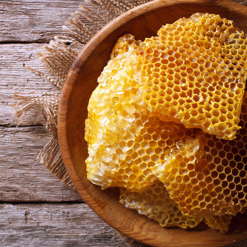 3 Honey & Bee Facts